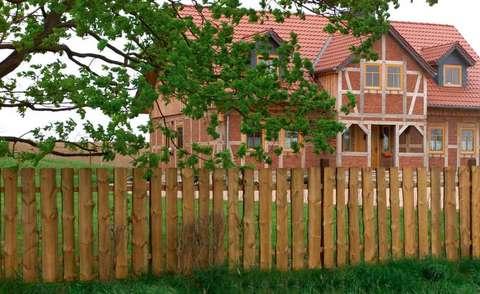 Landhaus zaun kesseldruckimprägniert kd für eine lange lebensdauer
